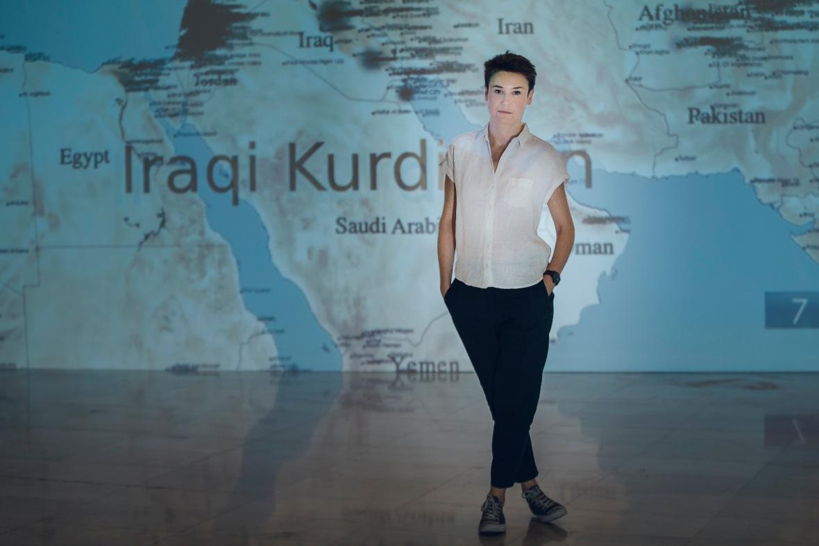 Cristina Lucas Manchas en el silencio