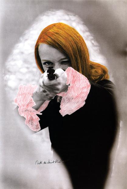 00-Niki-de-Saint-Phalle-apuntando-1972