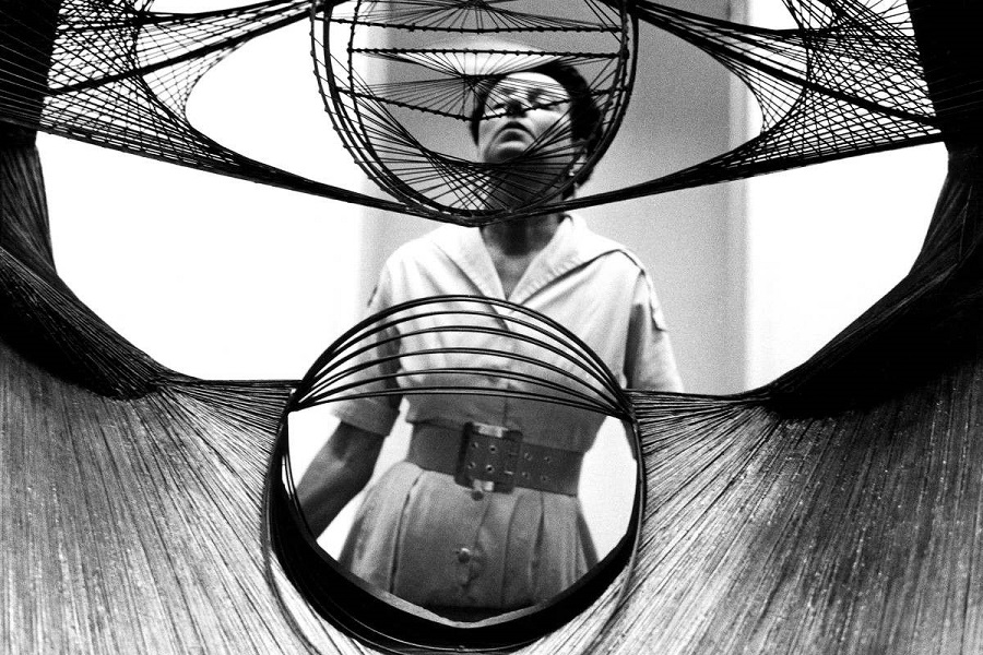 Peggy-Guggenheim-in-the-mid-1930s-photo-via-magnetafoundaton.org_